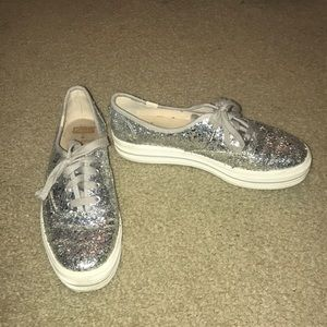 Kate spade keds silver glitter sneakers